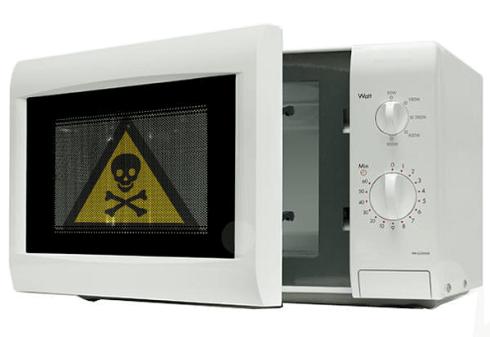 Los peligros ocultos de cocinar con microondas el nuevo for Cocinar microondas